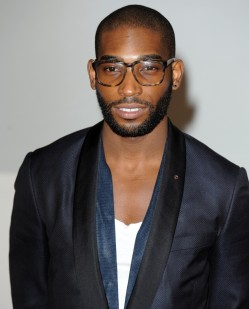 tinie-tempah-brit-awards-2012-03