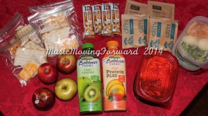 Cheese & Crackers = cal medium apple - approx 80 cal Quaker Chewy Granola Bar, Smores - 100 cal Grits, Original - /serving Oatmeal, Apples & Cinnamon - /serving Bolthouse Farms, Green Goodness - 140cal/serving (8oz) Bolthouse Farms, Mango Protein Plus- 200cal/serving (8oz)