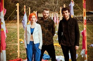 paramore-sets-various-world-records-in-ain-t-it-fun
